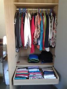 georganiseerde kleerkast